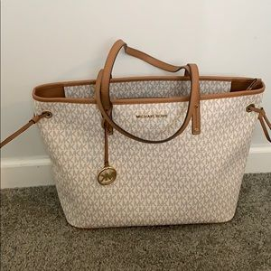 Brand new never used Michael Kors tote